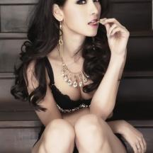โม อมีนา พินิจ RUSH Magazine 002